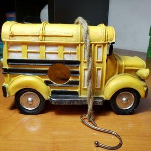 "School Bus Birdhouse/Feeder- Vintage style - 9.25"""